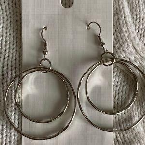 Jewelry - Medium silver tone earrings. NWT.